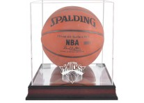 New York Knicks Mahogany Basketball Ball Display Case